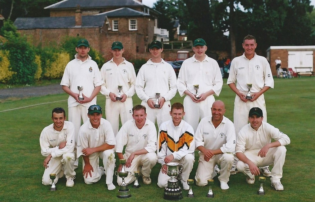 CLIFTON ALLIANCE 1ST XI 2001