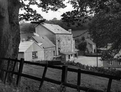 The exterior of T Burgess & Sons mill at Thornton-le-Dale in 1948.
