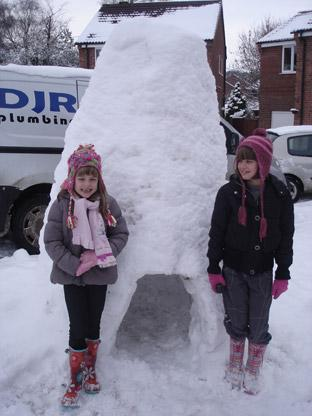 Leah and Lucie Nichols of Kirkbymoorside with their igloo.