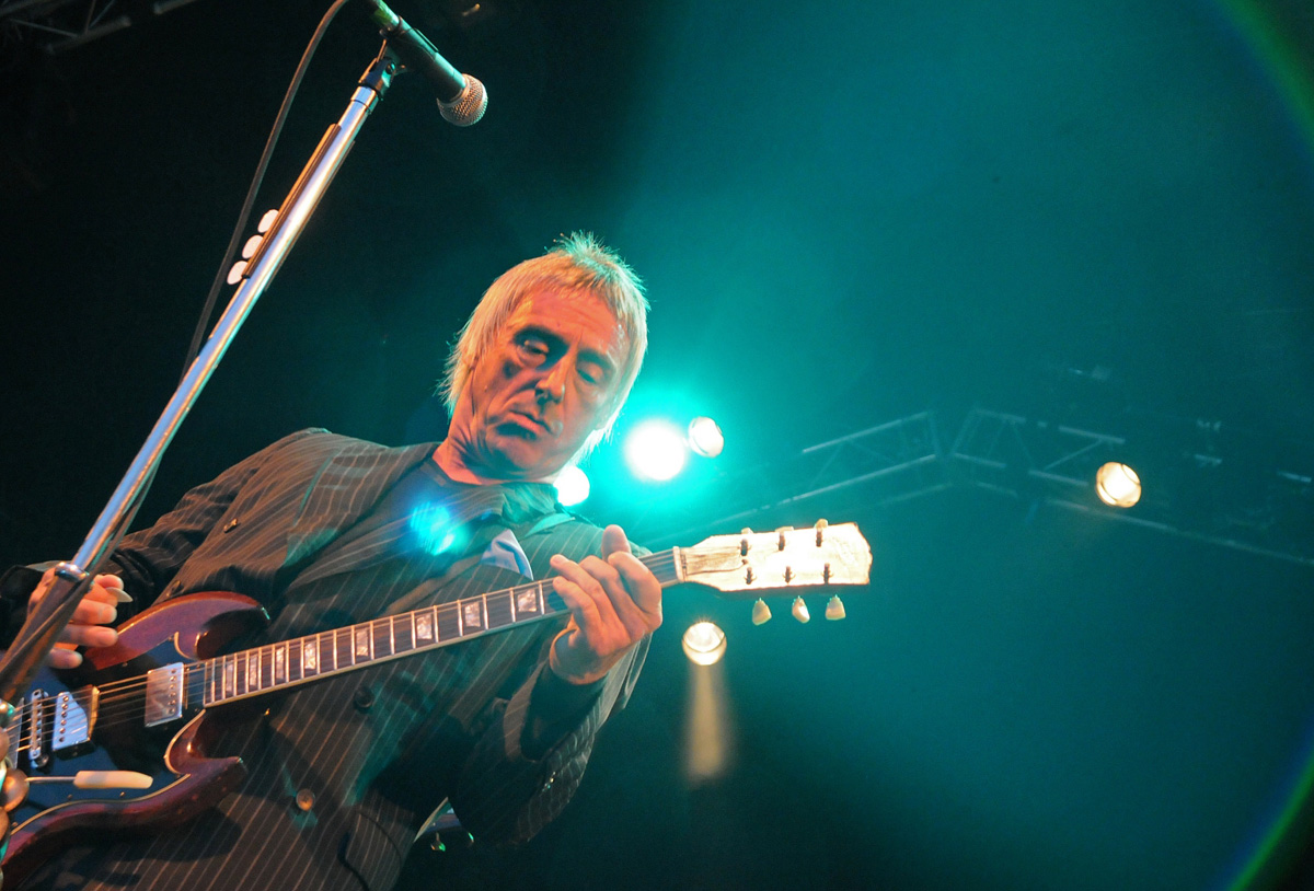 Paul Weller on stage in his previous visit to Dalby Forest in June 2009